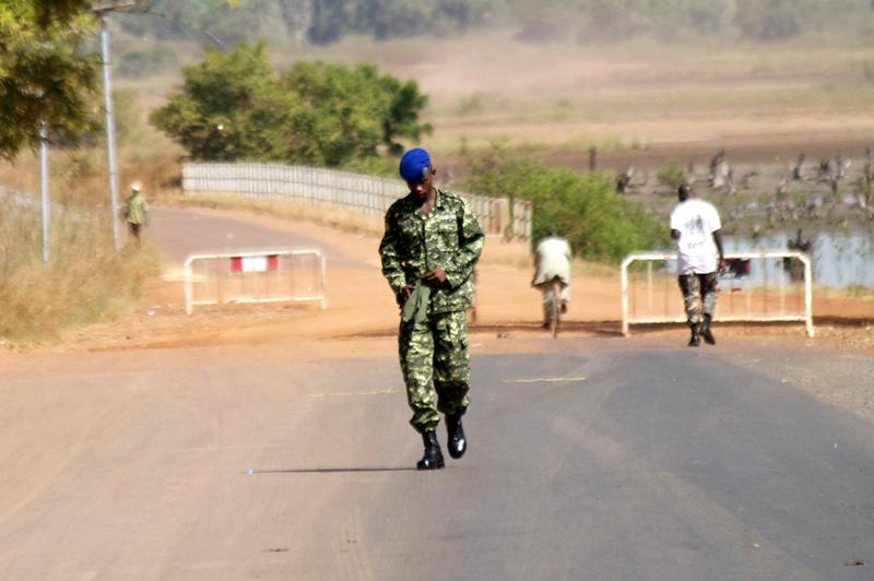 Hacer fotos en Gambia.