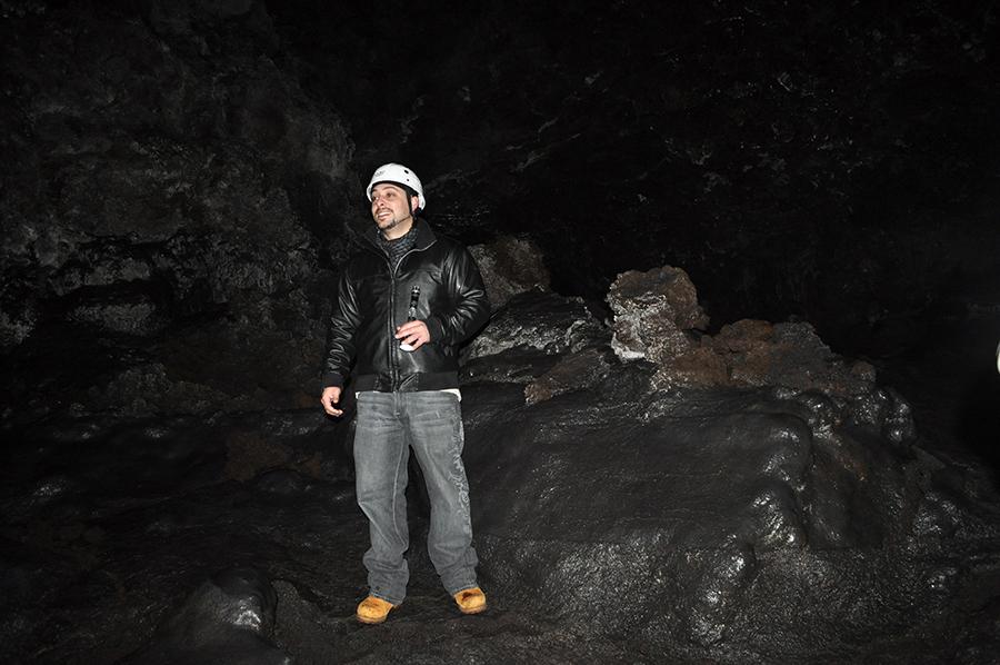 ay muchos atractivos excepcionales, porque su origen volcánico hace que las islas sean diferentes. Algo que hay que perderse son las cuevas.
